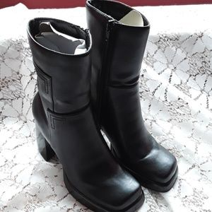 Bakers Shoes - Black heeled Boots